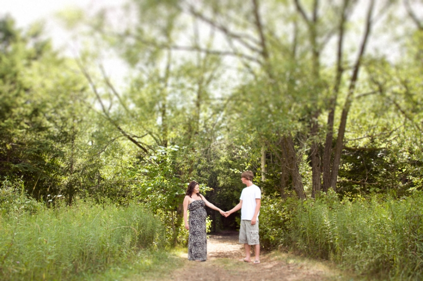 maternity session in Perth County, Ontario by a photographer from Kitchener-Waterloo